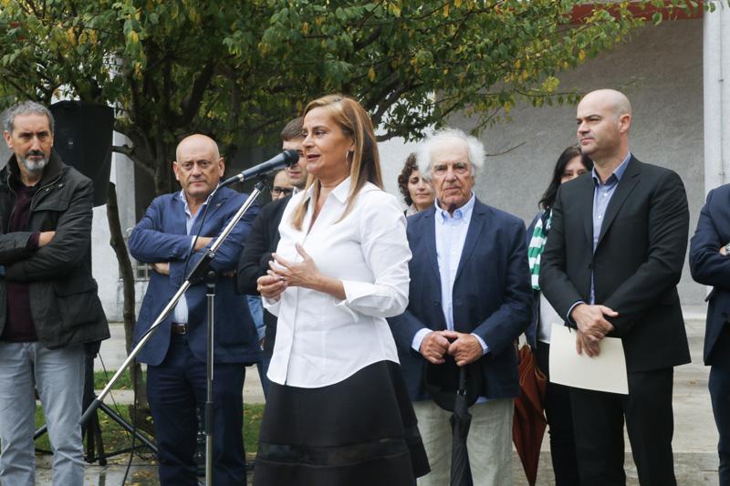 """Inauguración da escultura """"Inés-Palmira"""" de José Solla"""